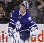 "Toronto Maple Leafs ""подписали"" голкипера Джеймса Раймера на три года"
