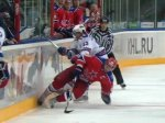 Хоккеист СКА дисквалифицирован за удар соперника в голову