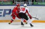 «Автомобилист» обыграл «Авангард» со счетом 4:1 в домашнем матче КХЛ