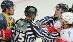 Арбитры перестраховываются, когда удаляют хоккеиста Артюхина - Кольцов
