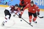 Швейцарцы забили латвийцам победную шайбу за 10 секунд до конца матча