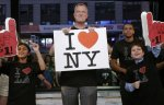 """Мэр Нью-Йорка спел """"I Love L.A."""" в честь победы """"Лос-Анджелес Кингз"""" в Кубке Стэнли"""