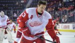 """Хоккеист """"Детройта"""" Павел Дацюк получил травму в матче против """"Питтсбурга"""""""
