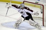 Варламов пропустил шесть шайб после объявления его лучшим игроком недели в НХЛ