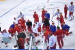 Российские хоккеисты провели первую тренировку на олимпийском льду